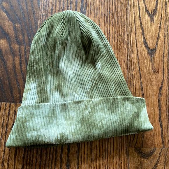 Tie dye green hat 2/$10